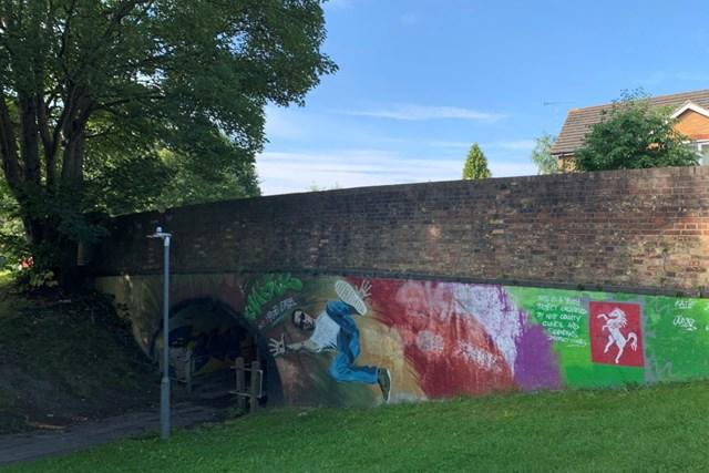 2021年 カズークラシック 事前 川村昌弘 ロンドン郊外のケントの街並み。散歩中に見つけたペイント