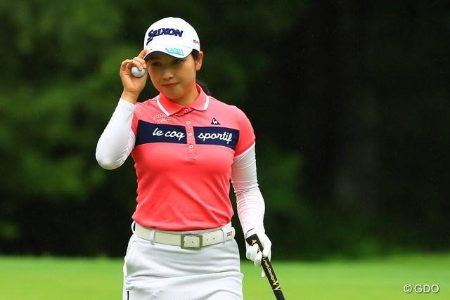 2021年 NEC軽井沢72ゴルフトーナメント  最終日 小祝さくら 優勝してペコリと頭を下げる小祝さくら