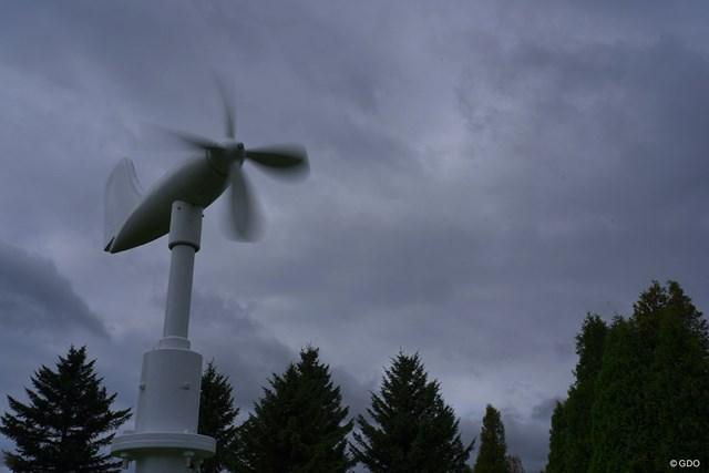 2021年 長嶋茂雄招待セガサミーカップ 初日 風車 午後からは風が強くなった。