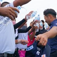 左手の薬指には光るものが。比嘉一貴が2年ぶりの優勝を飾った 2021年 長嶋茂雄招待セガサミーカップ  最終日 比嘉一貴