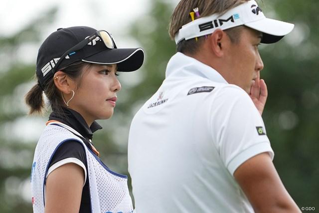 2021年 Sansan KBCオーガスタゴルフトーナメント 初日 池村寛世 キャディさんに注目