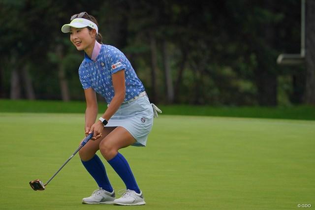 2021年 ニトリレディスゴルフトーナメント 2日目 鶴岡果恋 9番バーディパットはカップをクルリ。