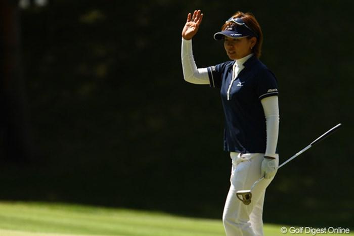 球は曲がらないし、本当に危なげない堅実なゴルフです。首位と3打差、そろそろ初優勝が見たいですね。 2010年 リゾートトラストレディス 2日目 新崎弥生