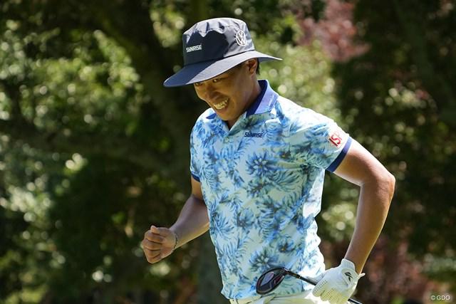 2021年 Sansan KBCオーガスタゴルフトーナメント 3日目 中西直人 ティショットでOB、打ち直しに戻るも笑顔