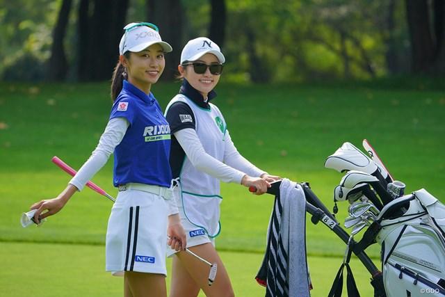 2021年 ニトリレディスゴルフトーナメント 3日目 安田祐香 絵になる姉妹だなぁ。