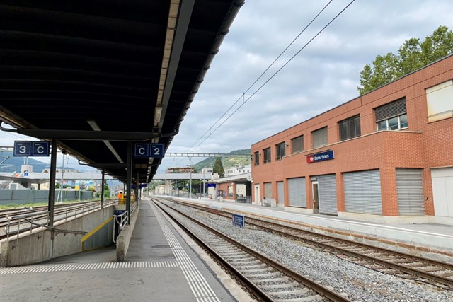 2021年 イタリアオープン 事前 シエール駅 スイスのシエール駅から電車での旅が始まりました