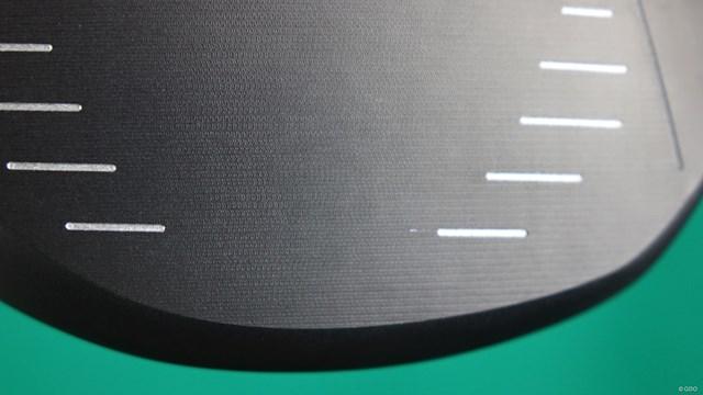 プロギア LS ドライバーを万振りマンが試打「50m/s台でも使える」 CNC加工でミーリングされた微細な凸凹のあるフェース面