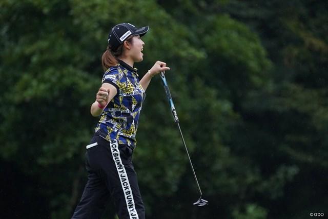 2021年 ゴルフ5レディス プロゴルフトーナメント 初日 大里桃子 おどける桃子