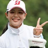 吉田優利がツアー2勝目でVサイン 2021年 ゴルフ5レディス プロゴルフトーナメント  最終日 吉田優利