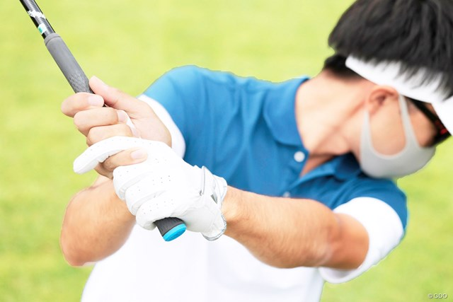 左手の甲は折れていないか? 見るだけでスライスが防げる60秒間 見るべきは飛球後方からのアングルがベスト
