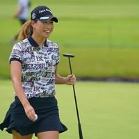 最終18番、ナイスパーセーブにホッとした笑顔。 2021年 日本女子プロゴルフ選手権大会コニカミノルタ杯 2日目 木戸愛