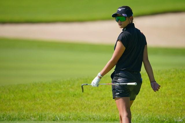 2021年 日本女子プロゴルフ選手権大会コニカミノルタ杯 2日目 原英莉花 ボンドガール?峰不二子?デカいサングラスでイケイケです。