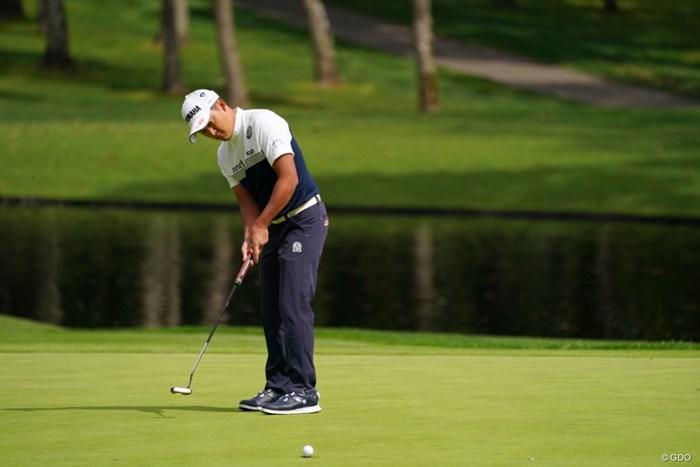 11番でパターする今平君です 2021年 ANAオープンゴルフトーナメント 初日 今平周吾