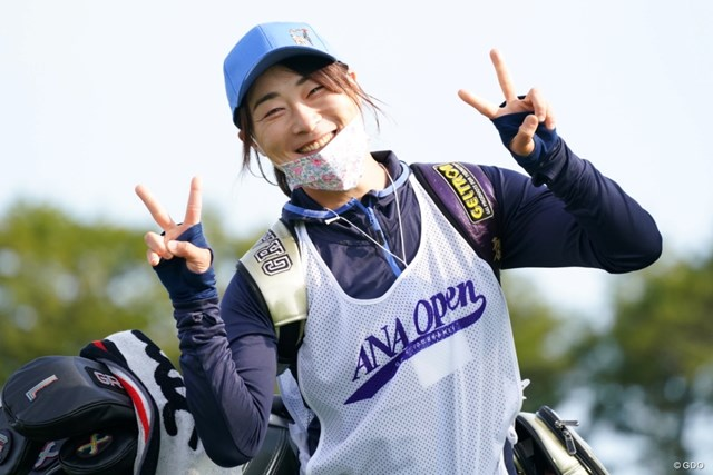 2021年 ANAオープンゴルフトーナメント 初日 キャディ 鈴木さんはリン・スマイル