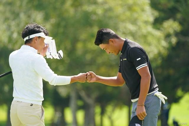 2021年 ANAオープンゴルフトーナメント 2日目 近藤智弘 池上憲士郎 深々と頭を下げてます