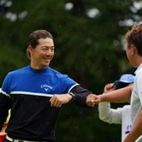しめは肘タッチ 2021年 ANAオープンゴルフトーナメント 3日目 石川遼