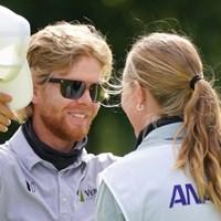 キャディの奥様と喜びをわかちあう 2021年 ANAオープンゴルフトーナメント 最終日 スコット・ビンセント