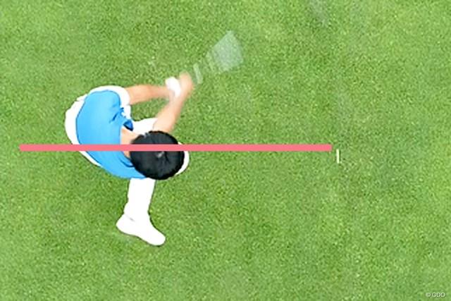 上体は右に傾きすぎていないか? 見るだけでフックが防げる60秒間 プレーヤー視点からでも意識できるポイント(※ドローンにて撮影)