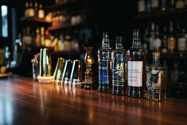 ウイスキー お酒は種類が豊富(写真ぱくたそ、撮影者すしぱく)