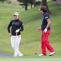 小祝さくら(左)は大会最多8勝を誇る樋口久子JLPGA顧問とプロアマ戦をラウンド 2021年 日本女子オープンゴルフ選手権 事前 小祝さくら