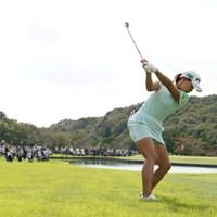 ラフからのバックショット、ボールが見えんです 2021年 日本女子オープンゴルフ選手権 初日 渋野日向子