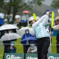 スタートしたものの 2021年 日本女子オープンゴルフ選手権 2日目 鈴木愛