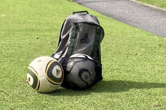 ボール ゴルフとサッカーの融合です