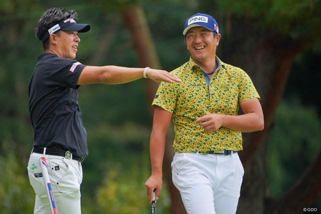 2021年 ブリヂストンオープンゴルフトーナメント 初日 上井邦裕 永野竜太郎 永野竜太郎(右)が6アンダー首位で発進。、同組の上井邦裕も1打差