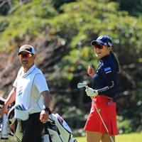 イーグルショットが入りガッツポーズ 2021年 スタンレーレディスゴルフトーナメント 初日 吉田優利
