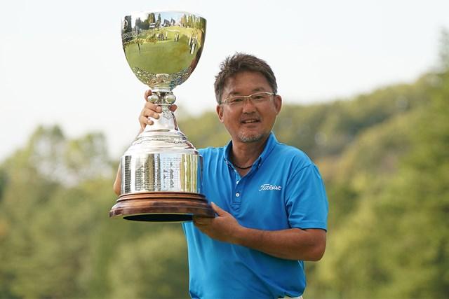 2021年 日本プロゴルフシニア選手権大会 住友商事・サミットカップ 4日目 立山光広 シニアツアー初優勝をメジャーで飾った立山光広(提供:日本プロゴルフ協会)