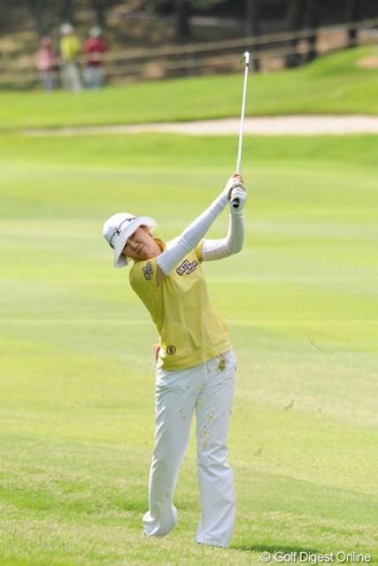 2010年 サントリーレディスオープンゴルフトーナメント 3日目 ヤング・キム この人だけが60台。ボチボチ米ツアー仕込みのパワーを見せつける時が来たのかも・・・。10位T