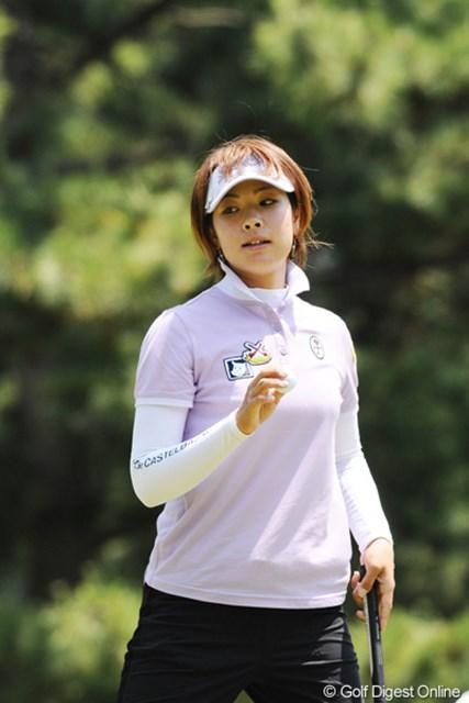 2010年 サントリーレディスオープンゴルフトーナメント 3日目 森田理香子 ドライバーも絶好調!雨予報の明日は飛ばし屋有利で逆転Vの可能性も!