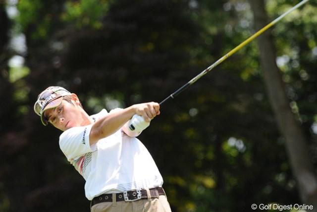 2010年 サントリーレディスオープンゴルフトーナメント 3日目 天沼知恵子 昨日まで午前午後のスタートやったので、今日初めて先輩にお会いしました。挨拶遅れてスンマセン!押忍!10位T