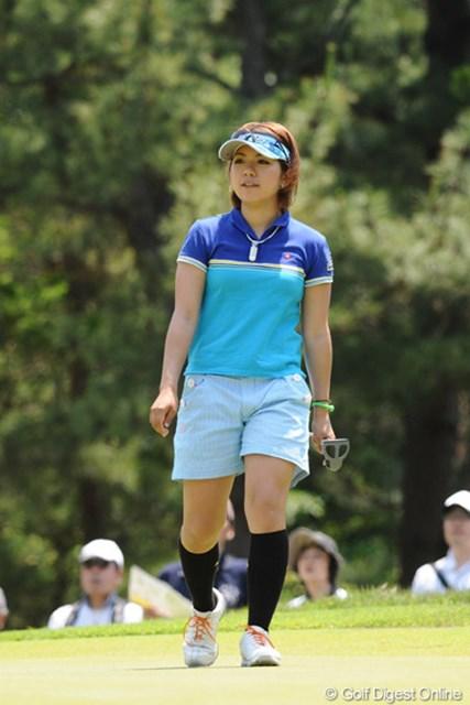 2010年 サントリーレディスオープンゴルフトーナメント 3日目 中村香織 中村香織は青山加織を「カオリさん」、青山は中村を「カオリちゃん」と呼んでるそうです。これ、前にも書いたっけ??19位