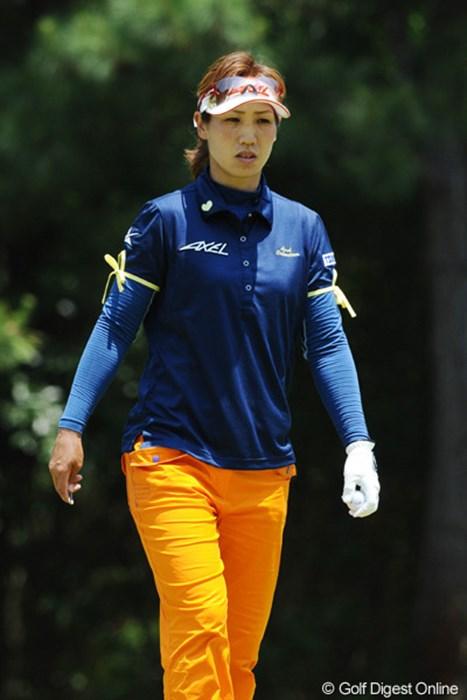 久々に上位に顔を出しました。両腕のリボンが気になって仕方なかったんやけど、聞くチャンスがありまへんでした。19位T 2010年 サントリーレディスオープンゴルフトーナメント 3日目 村田理恵