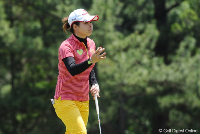 トモミ~~!久々の上位やん!今年はまだ稼げてないから、しっかり踏ん張らんといかんでェ~!24位T 2010年 サントリーレディスオープンゴルフトーナメント 3日目 廣瀬友美