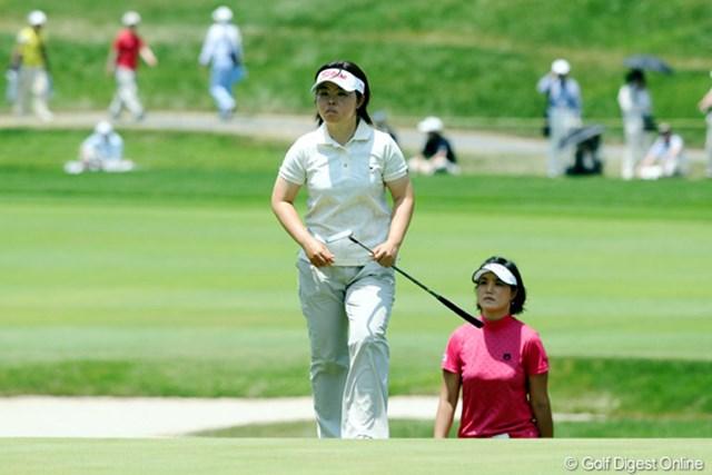 2010年 サントリーレディスオープンゴルフトーナメント 3日目 不動裕理 全美貞 実力者同士が同組となったが、この日は共にスコアを伸ばせず。最終日、二人の争いにも注目だ