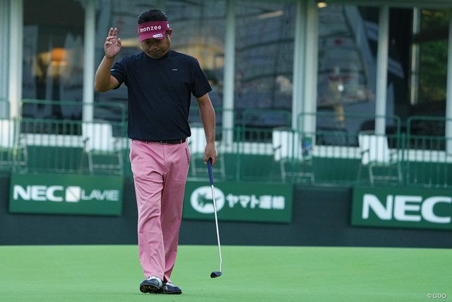 2021年 日本オープンゴルフ選手権競技 初日 池田勇太 バーディ締め、キメる。