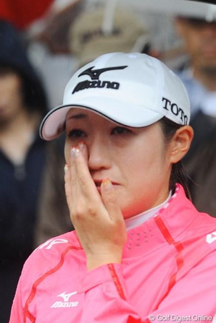 おめでとうアカネちゃん!①優勝を決めた直後のTVインタビューで思わず涙が・・・