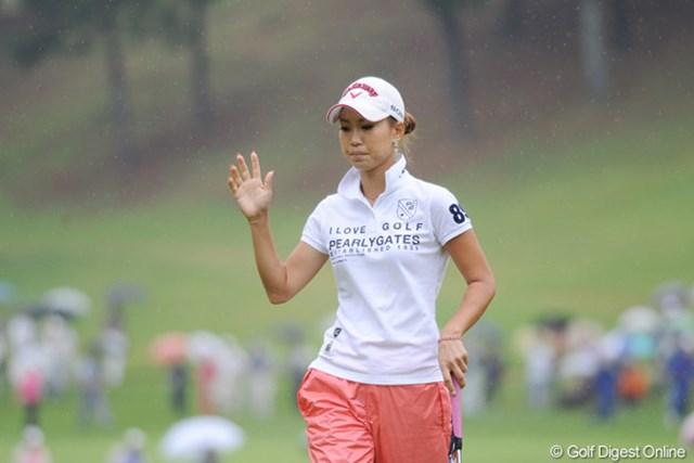 2010年 サントリーレディスオープンゴルフトーナメント 最終日 上田桃子 5つのバーディを奪うも6つのボギーでスコアを伸ばせず…12位タイの上田桃子
