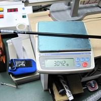 「キャロウェイ FT-iZ ドライバー」の総重量は304.2グラム。平均的な体力の人にピッタリ マーク試打 キャロウェイ FT-iZ ドライバー NO.4