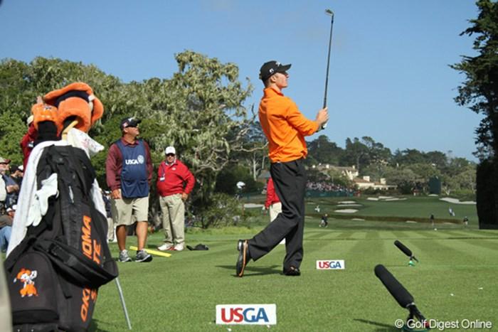 母校、オクラホマステート大学のスクールカラーのオレンジ色のシャツを着てプレー。リッキー・ファウラーの後輩だ 2010年 全米オープン初日 モーガン・ホフマン