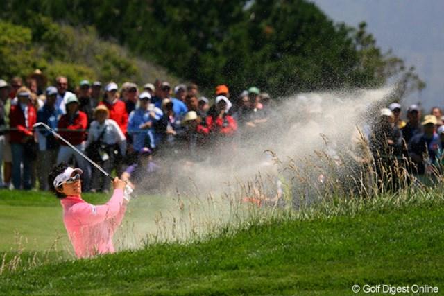 2010年 全米オープン初日 石川遼 バンカーの砂はフカフカ。カメラマン的には楽しく撮れます