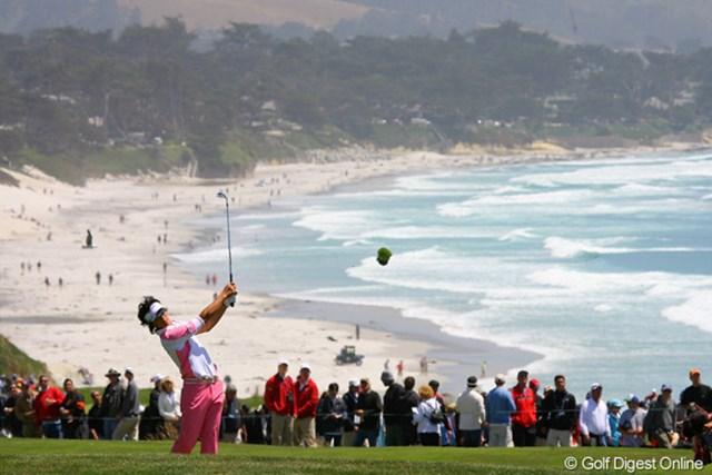 2010年 全米オープン初日 石川遼 洋芝特有、綺麗にターフが飛んでおります