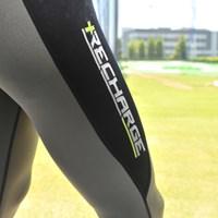 とにかくピッチピチで着るのに一苦労だが、疲労回復効果は高い 新製品レポート アンダーアーマー リチャージ NO.2