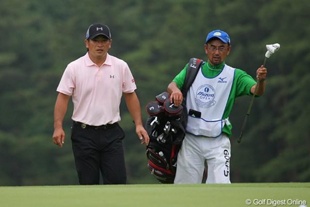 4位タイに入った増田信洋。キャディは女子ツアーで良く見る大溝さん