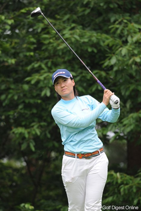 G13 ブラジリアンガールは、サッカーの敗戦が影響したのか、スコアを落としてしまいました・・・。 2010年 日医工女子オープンゴルフトーナメント 2日目 マリア・イイダ