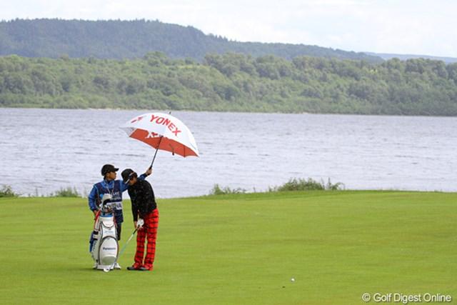 2010年 バークレイズ・スコットランドオープン 初日 石川遼 晴れていても小雨がパラつくスコットランド独特の天気