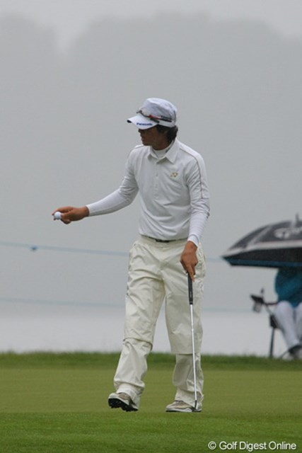 2010年 バークレイズ・スコットランドオープン 2日目 石川遼 この日初めてのバーディを12ホール目の3番で奪った石川遼