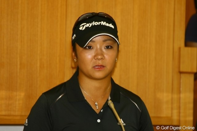 記者会見では冒頭に改めて謝罪を述べ、2ヶ月間を振り返った三塚優子